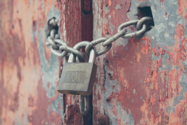 Padlock on a chain Ardea International - Modern Slavery | Human Rights | Sustainability